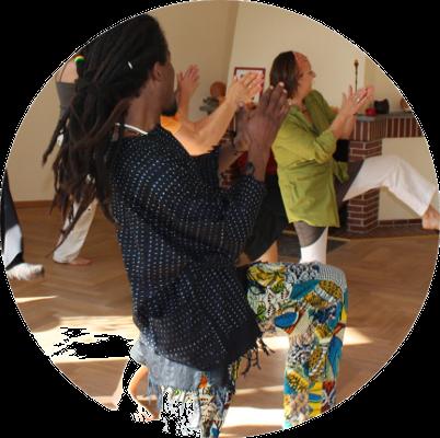 Trommeln-und-tanzen-afrikanisch-tanzen