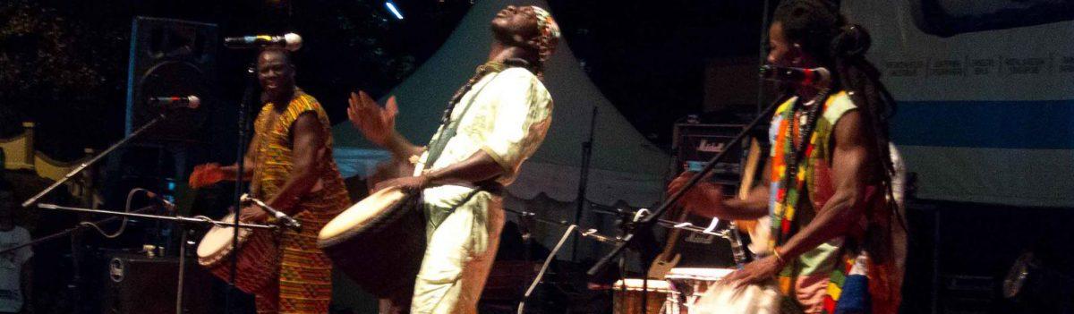 Auftritte mit afrikanischer Percussion